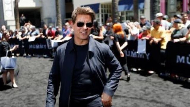 Tom Cruise vrea să își mute cascadoriile în spațiu