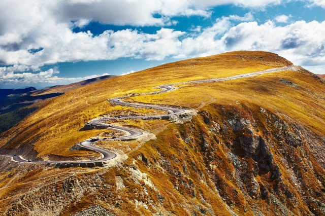 FOTO | Cele mai spectaculoase drumuri ale Romaniei