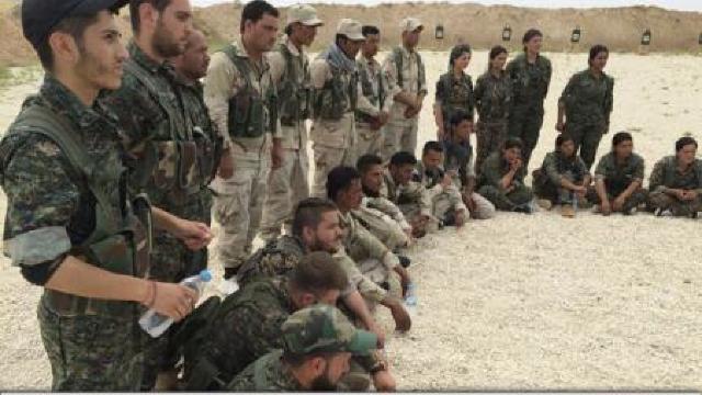Trupele siriene au ajuns la granița cu Irakul