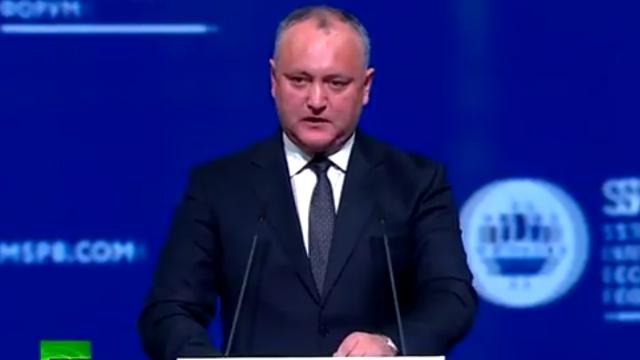 Igor Dodon a pus la îndoială beneficiile integrării europene în cadrul unui forum la Sankt Petersburg