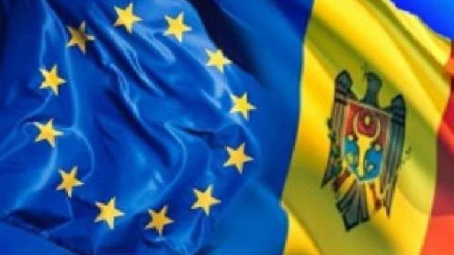"""UE deja """"a făcut din deget"""" puterii de la Chişinău (Revista presei)"""
