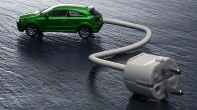 La Chişinău a fost lansată prima staţie de încărcare a automobilelor electrice cu energie regenerabilă