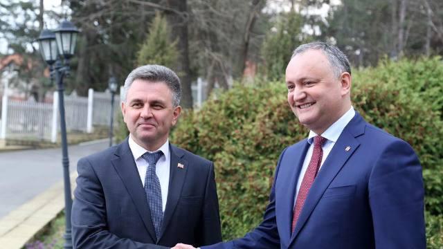 Experți | Cele mai multe din deciziile protocolare, semnate între Chişinău şi Tiraspol, ar fi în defavoarea R.Moldova