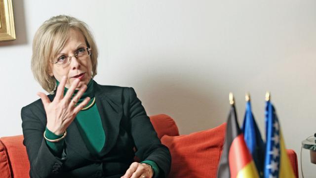 Ambasadoarea Germaniei la Chișinău, Ulrike Knotz, a fost decorată de Igor Dodon