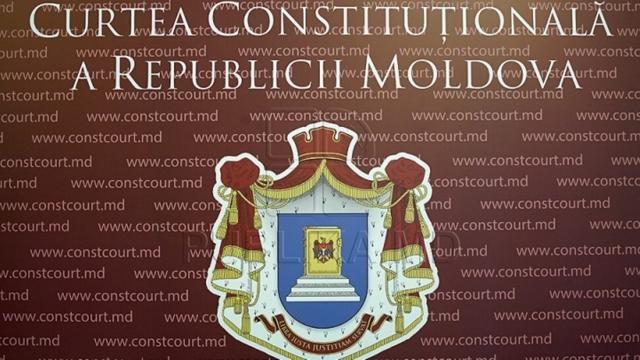 CC ar putea examina constituționalitatea decretului lui Igor Dodon privind referendumul din 24 septembrie