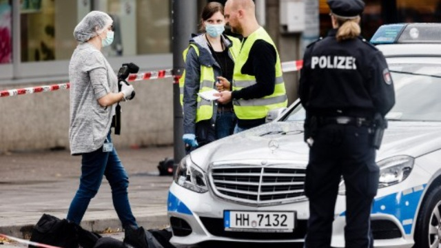Un mort şi şase răniţi într-un atac cu cuţitul într-un supermarket din Hamburg