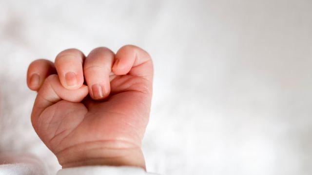Simptomele COVID-19 în cazul copiilor. Cele trei semne care ar trebui să îi îngrijoreze pe părinți