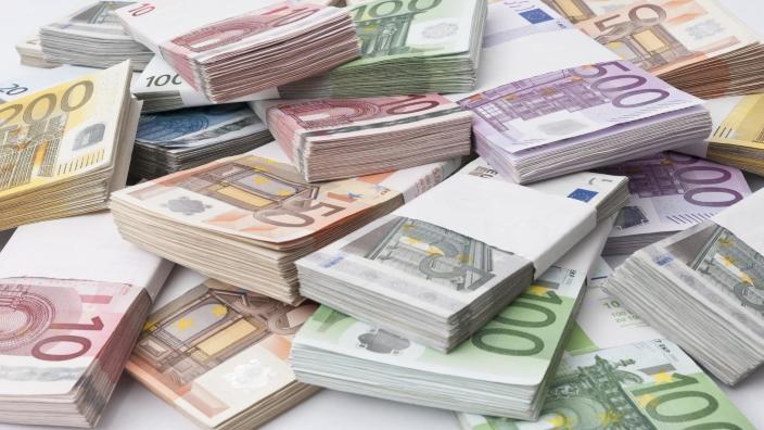 România a absorbit aproximativ 5,8 miliarde de euro din fonduri europene