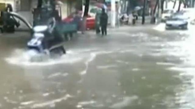 VIDEO | Beijingul, paralizat de o furtună puternică