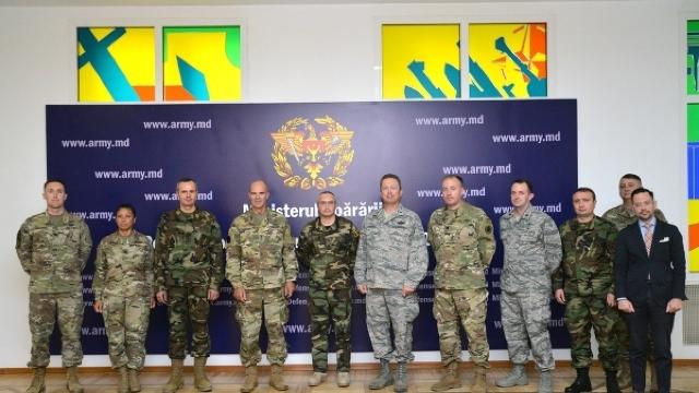 Comandantului Forțelor Terestre ale SUA înEuropa, în vizită în Republica Moldova (FOTO)