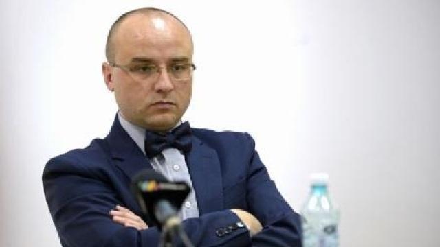 Mihai Mitrică: Să aduci cărți din România în R.Moldova implică niște costuri mai mari decât dacă ai transporta alcool sau țigări