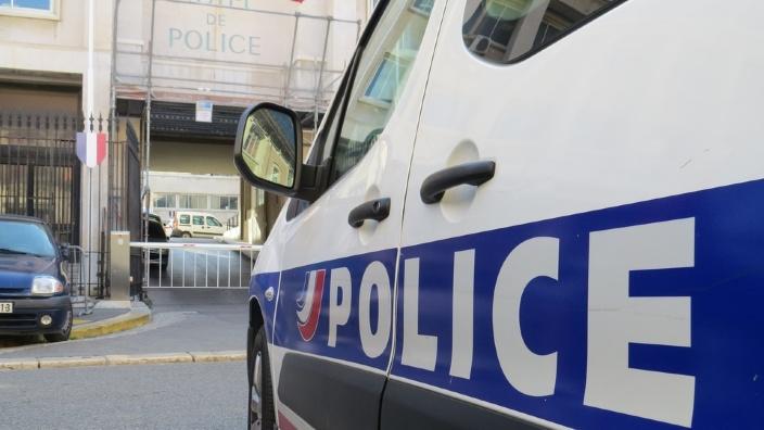 Atac armat la Londra. Două persoane au fost rănite
