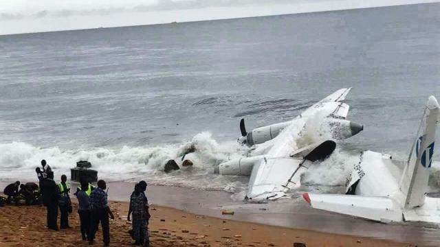 Cutiile negre ale aeronavei prăbușite în Coasta de Fildeș vor fi trimise la Kiev