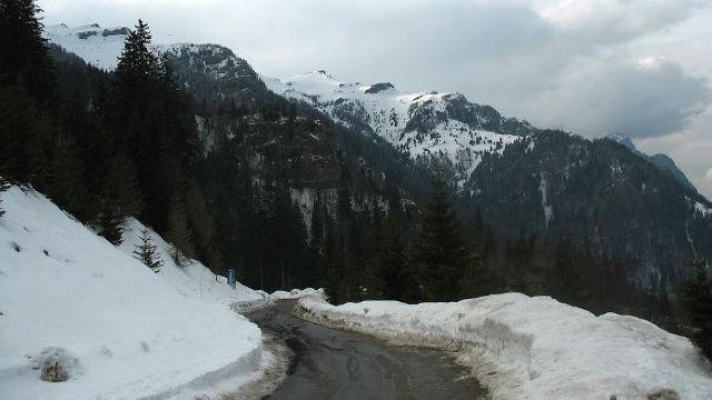 Pericol de avalanșe în Munții Bucegi și Făgăraș