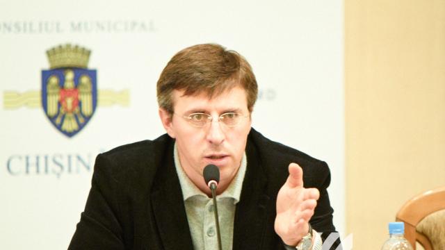Primarul suspendat, Dorin Chirtoacă, declară că nu va urma exemplul lui Renato Usatîi și nu va demisiona