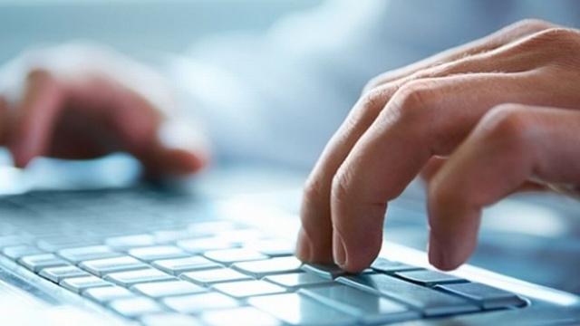 """Operațiunea """"Ghostwriter"""": Cum sparg hackerii ruși site-urile de știri pentru a planta știri false despre NATO"""