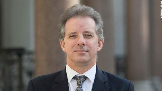 SUA/Rusia | Anchetatori americani s-au întâlnit cu fostul spion britanic Christopher Steele