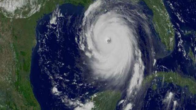 Ofelia, uraganul violent care se îndreaptă spre Marea Britanie