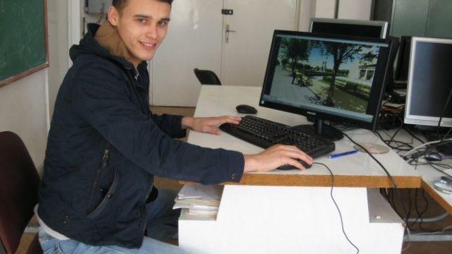 Un tânăr din R.Moldova a inventat un sistem holografic de prevenire a accidentelor cauzate de ceaţă