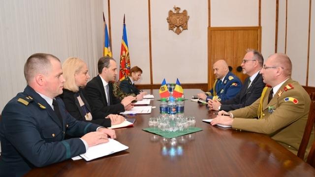 Ambasadorul României l-a felicitat pe Eugen Sturza cu ocazia învestirii ca ministru al Apărării al R.Moldova