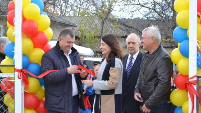 Cu ajutorul moldovenilor plecați peste hotare, la Telenești a fost construit un complex sportiv