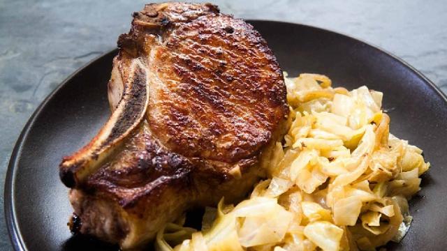 Rețeta zilei | Pastramă de porc cu varză