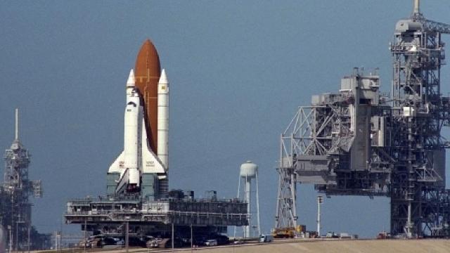 Lansarea unei nave spaţiale a fost anulată când un avion a intrat în spaţiul aerian restricţionat