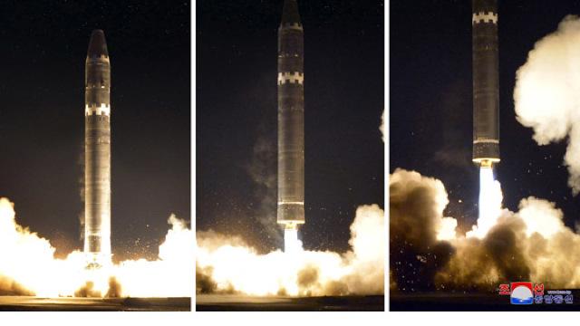 GALERIE | Coreea de Nord a publicat peste 40 de fotografii de la lansarea ultimei sale rachete Hwasong-15