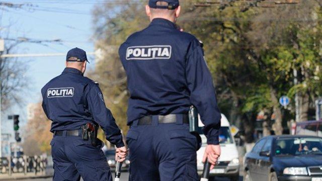Peste două mii de polițiști au primit remunerări din amenzile aplicate