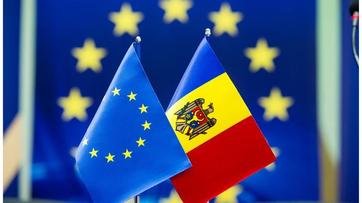 Un grup de peste 700 de primari condamnă decizia de suspendare a asistenței macrofinanciare pentru R.Moldova