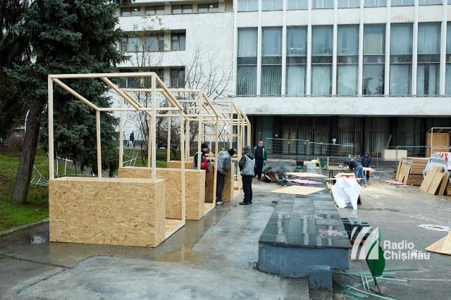 FOTO | Pomul de Crăciun al Guvernului de pe 31 August a fost instalat