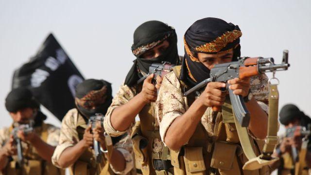 Ministrul Apărării de la Londra: Britanicii care s-au alăturat reţelei Stat Islamic ar trebui vânaţi şi ucişi