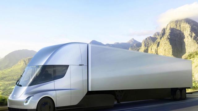FOTO | Primele comenzi pentru camionul electric Tesla. Cum arată și cât costă Semi
