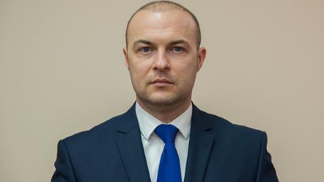 Consilierul premierului Pavel Filip, Eremei Priseajniuc, a devenit consilier în CMC