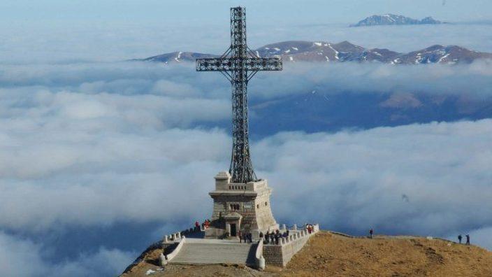 Crucea de pe Caraiman | Povestea celei mai înalte cruci din lume pe un vârf de munte (FOTO)