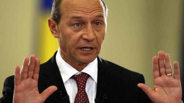 """Dacă Băsescu evoluează doar în rolul de """"antrenor"""", rezultatele electorale ale PUN ar putea fi modeste (Revista Presei)"""