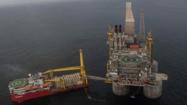 Barilul de petrol a depăşit 70 de dolari pentru prima dată din 2014