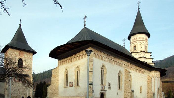 Maluri de Prut | Mănăstirea Bistrița - locul în care își dorm somnul de veci Alexandru cel Bun și fii lui Ștefan cel Mare