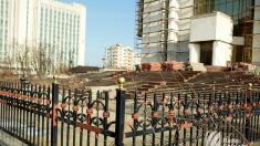 Trotuarele de lângă clădirea Președinției vor fi reparate