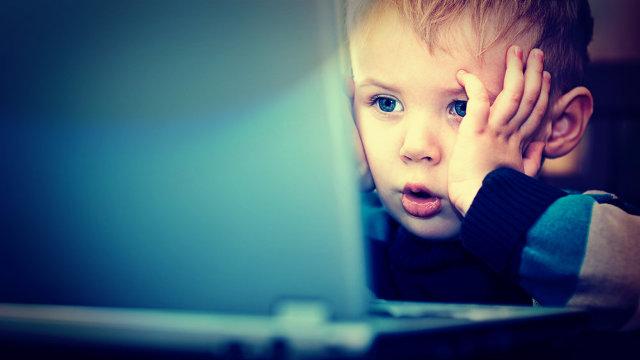 Siguranța online se obține prin educarea unor comportamente sigure în mediul virtual, discuții