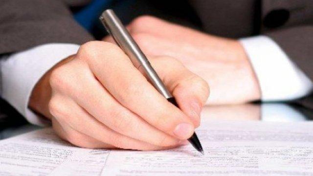 Doar puțin peste 1 mie dintre funcționarii moldoveni au depus până în prezent declarațiile de avere