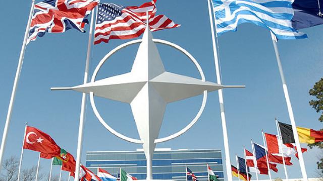 Donald Trump va participa la un dineu de lucru cu lideri ai unor ţări est-europene, inclusiv România, la summitul NATO