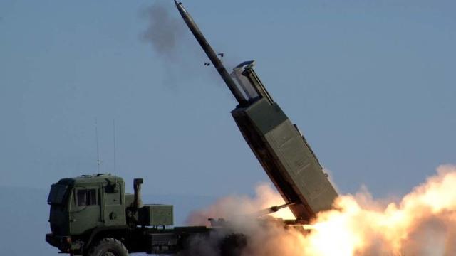 Oficial | România se dotează cu rachete HIMARS