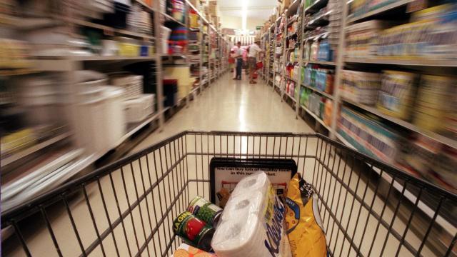 BLOOMBERG   României i se cere să-şi înlocuiască modelul de creştere economică bazat pe consum