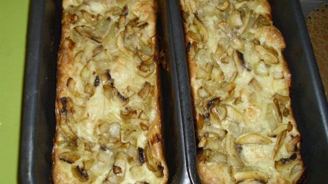 Plăcintă cu ciuperci şi smântână