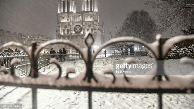 FOTO | Cum arăta Parisul după căderile de zăpadă neobișnuite