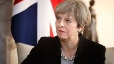 Planurile premierului britanic privind Brexit, contestate din nou de propriul partid