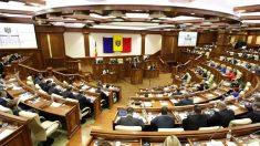Parlamentul se întrunește astăzi în ședință. Numirea a noi membri la CEC și proiectul privind interpretarea unor prevederi din Legea procuraturii, pe ordinea de zi