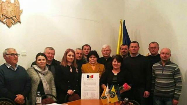 Mai mulţi aleşi locali din Republica Moldova, semnatari ai declarației de Unire, în vizită în România