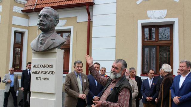 Centenarul Marii Uniri | Primul premier al României întregite, omagiat în comuna sa natală